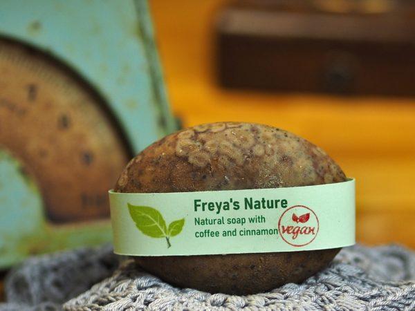 natural soap coffee en cinnamon cosmic beauty zoetermeer